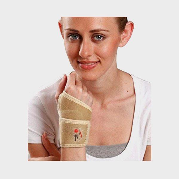 Tynor Wrist Brace with Thumb (Neoprene) Universal